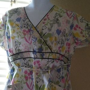 Women's scrubs shirt